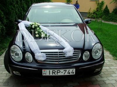 Organzás menyasszonyi kocsi