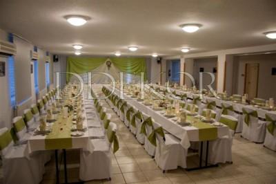 Agárd Pálmajor Pihenö és Szabadidőközpont esküvői díszítés székhuzat